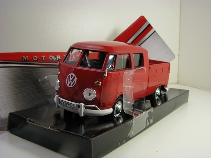 Volkswagen  Type 2 T1 Double Cab Pick Up Red 1:24 Motor Max